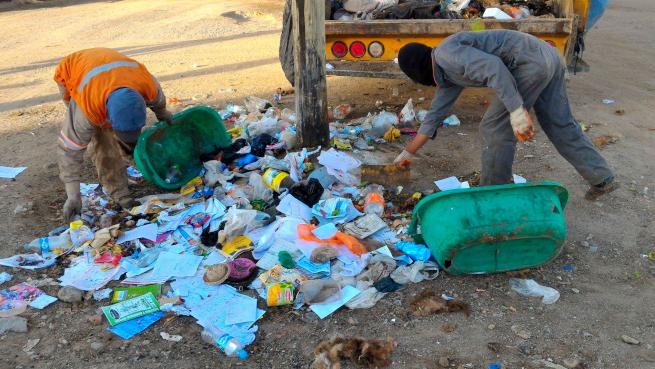 ウユニ市のごみ回収の様子