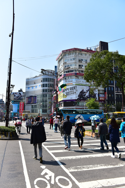 台北の町並みは日本っぽい