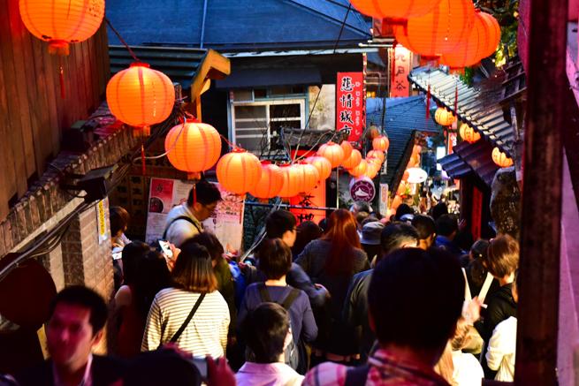 台湾の人気観光地九フン