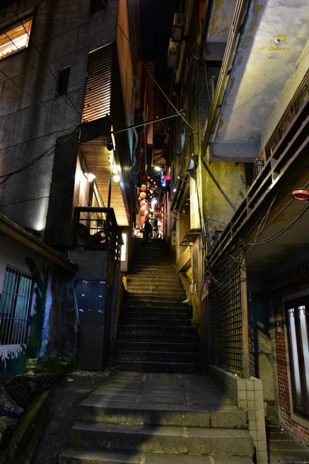 九份の誰もいない階段