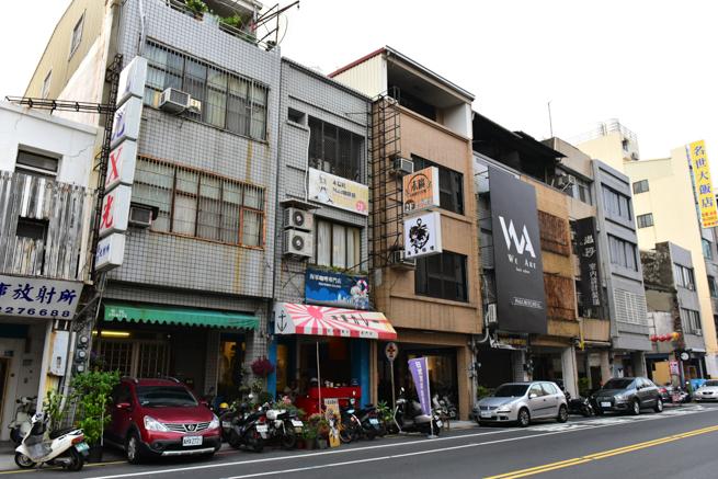 台南のメイドカフェの建物