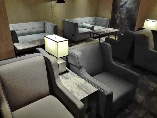 台湾のVIPラウンジのソファー席
