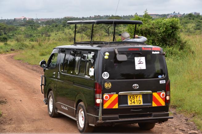 ナイロビ国立公園のサファリカー