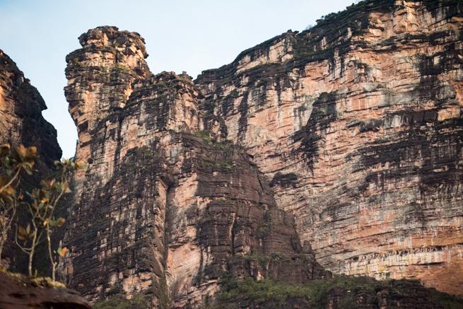 断崖絶壁の登山ルート