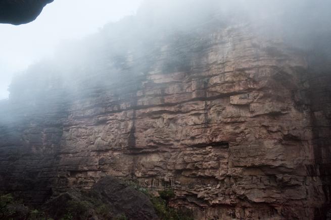アウヤンテプイの壁