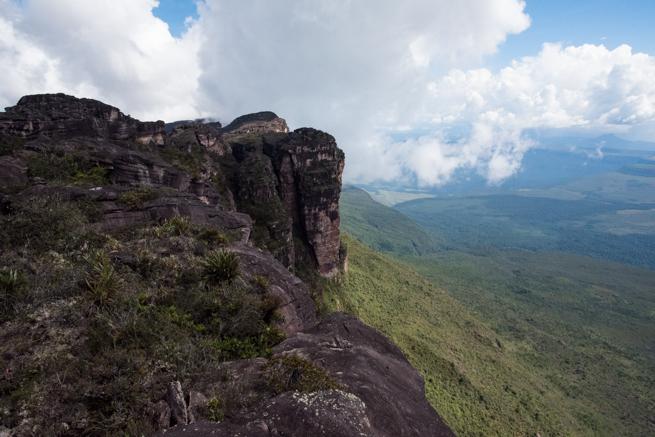 アウヤンテプイの頂上にある展望台