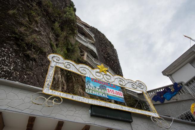 エルペニョールの登り口