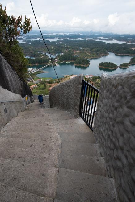 コロンビアの巨石ラピエドラデルペニョールの写真