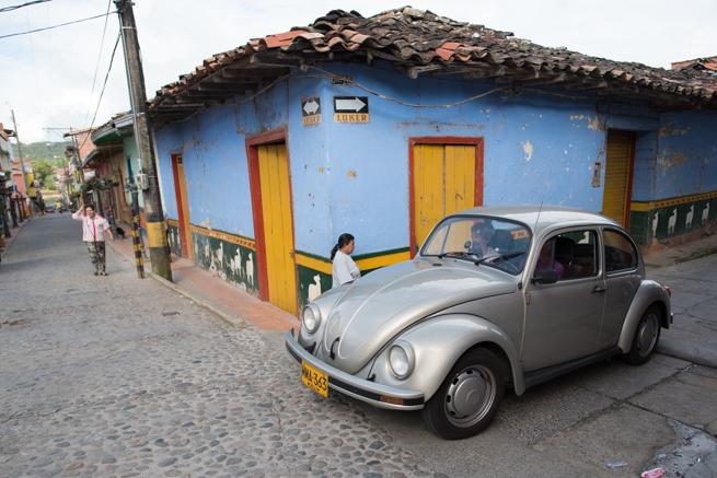 コロンビアのグアタペのレトロな車