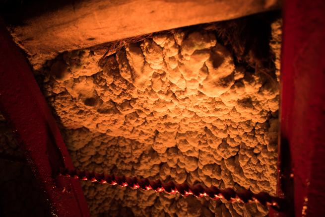 コロンビア・シパキラの塩の教会の壁は塩