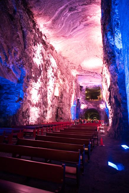 コロンビア・シパキラの塩の教会の大聖堂
