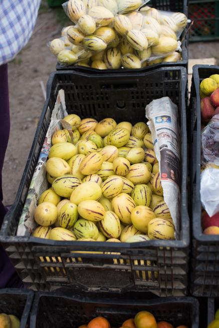 エクアドルのオタバロの動物市の野菜