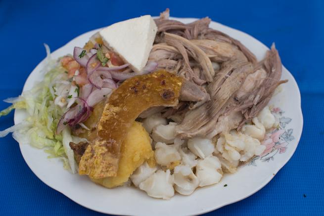 エクアドルのオタバロの伝統料理