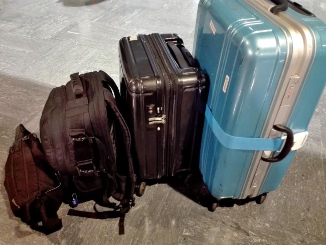 Amazonのカメラバッグとスーツケース