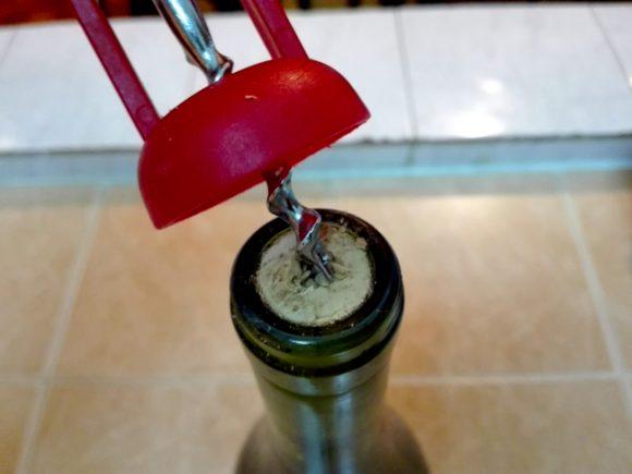 コルク 抜く を 方法 ワイン の ワインのコルクがボロボロに!抜けずに困った時の対処方法