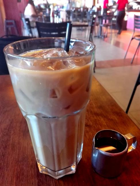 ナイロビJAVA HOUSEのアイスコーヒーは1リットル