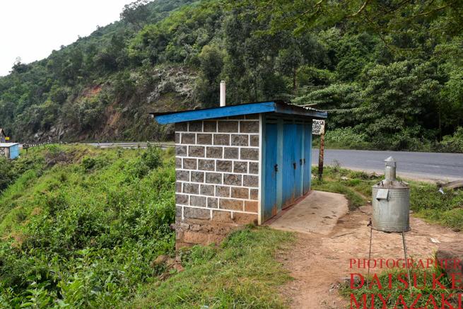 ケニアのグレート・リフト・バレーのトイレ