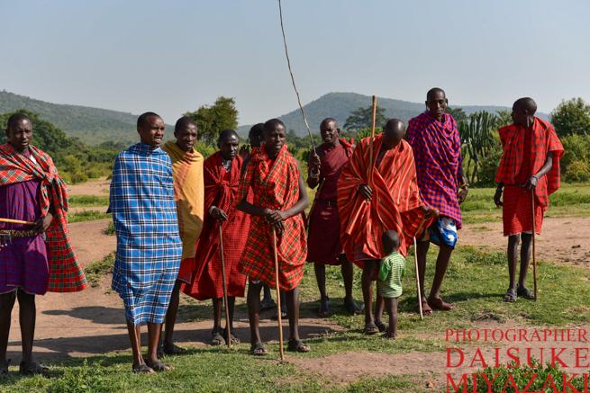 マサイ族の男性のダンス