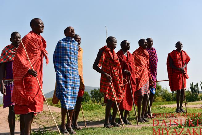 マサイ族の男性の歌