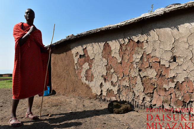 牛糞でできたマサイ族の家