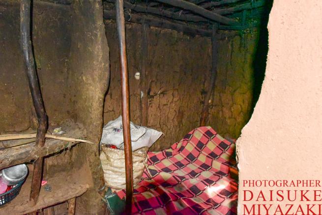 マサイ族の家のベッド