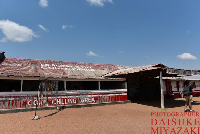 マサイマラ途中のお土産物屋