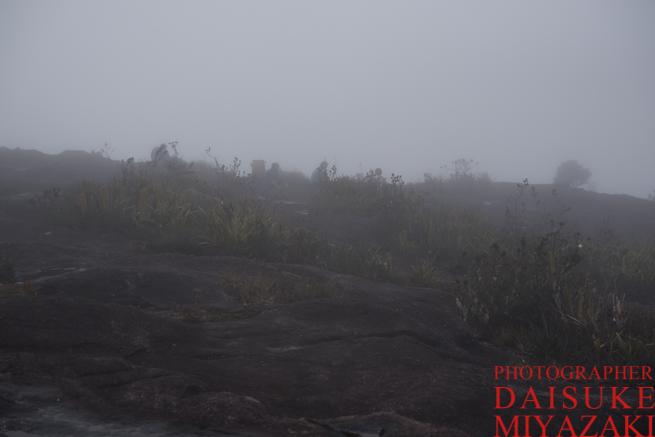 アウヤンテプイで発生した霧