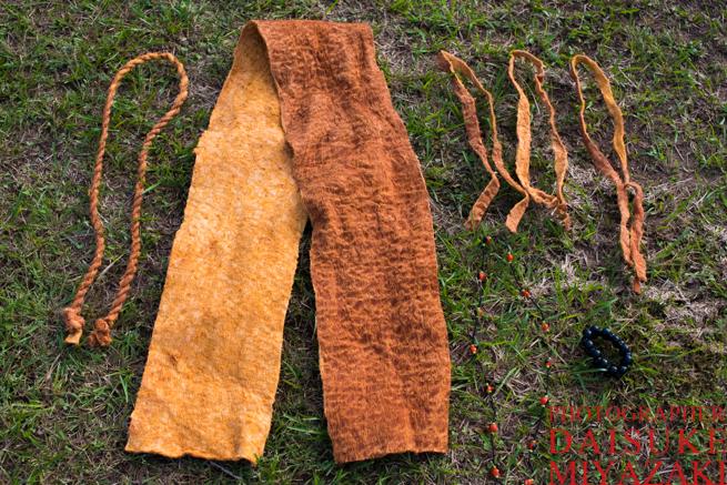 ペモン族のふんどしと民族衣装セット