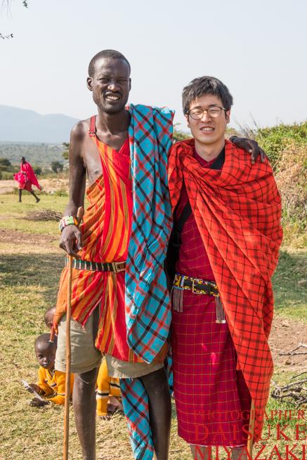 マサイ族とツーショット