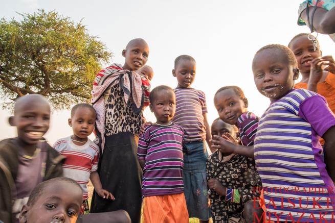 マサイ族の村の子供たち