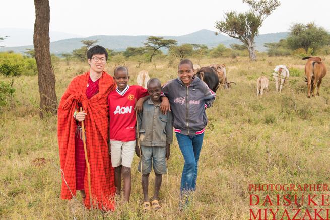 マサイ族の少年たちと私