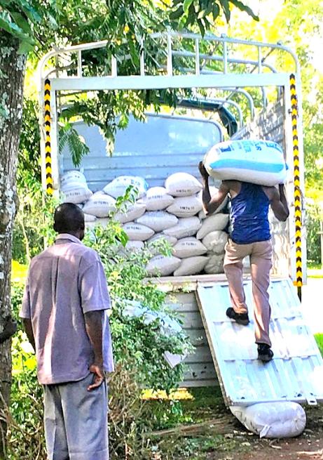 ケニアの大豆の運搬