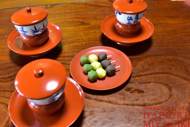 坊ちゃんダンゴとお茶