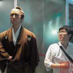 坂本龍馬像と記念撮影