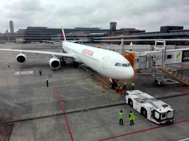 成田空港のイベリア航空の飛行機