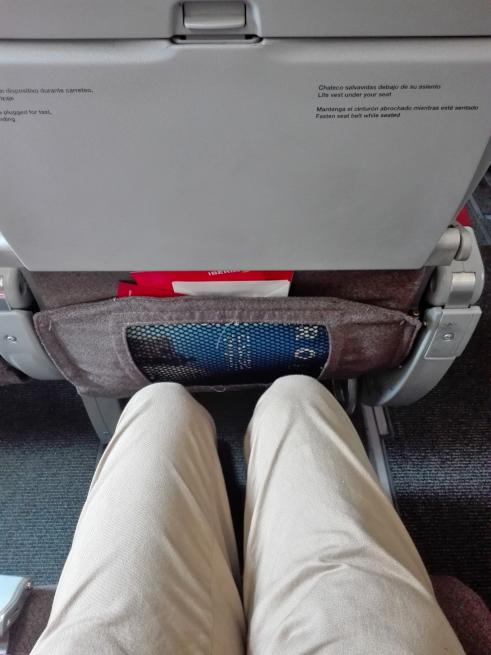 イベリア航空の座席は狭い