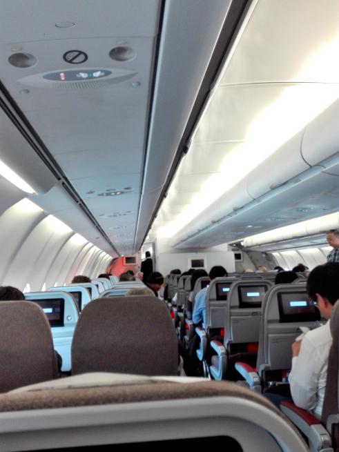 イベリア航空の飛行機の天井は高い