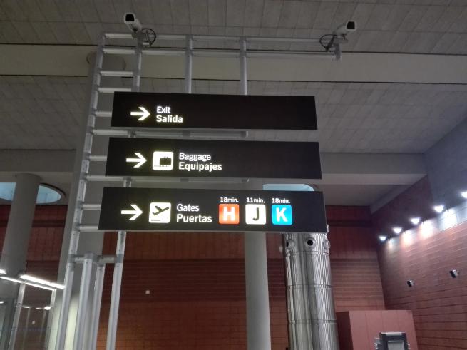 マドリードバラハス空港の案内看板