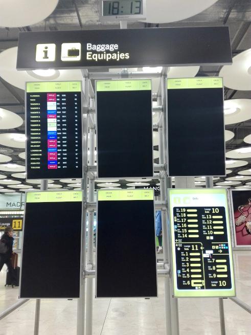 マドリード空港の電子掲示板