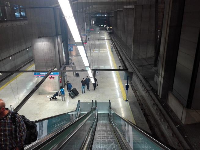 マドリード空港の地下鉄乗り場