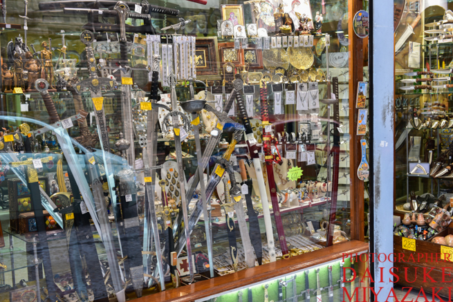 トレドの剣を売っている店