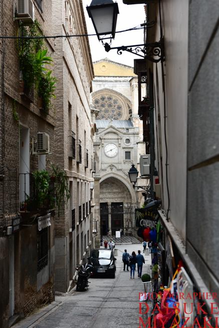 トレドの大聖堂前