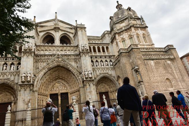 トレドの大聖堂の正面
