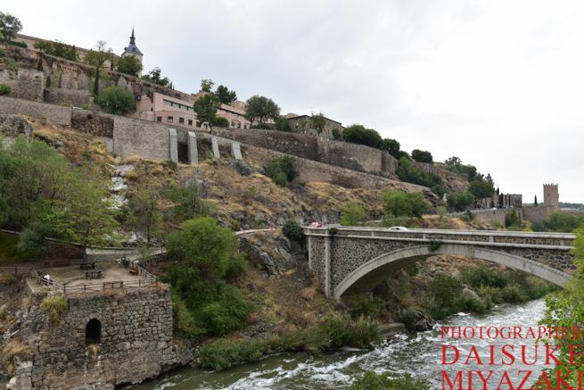 トレドの橋の対岸
