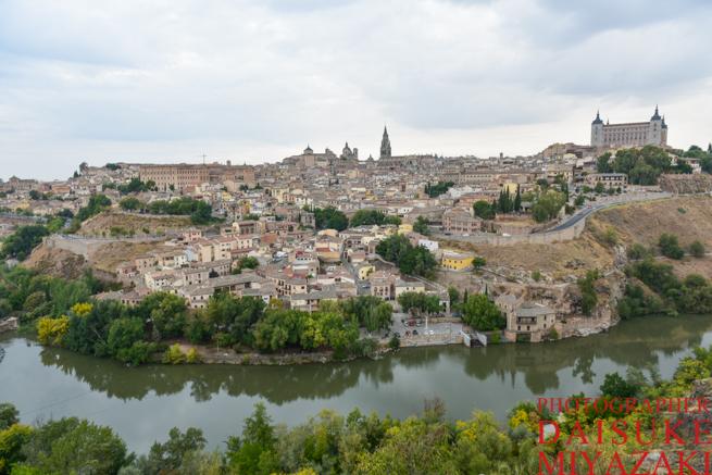 トレドの街と河