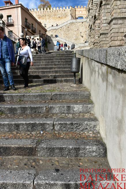 セゴビア水道橋の階段