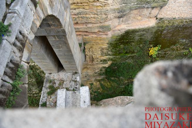 セゴビア城の入り口は高い