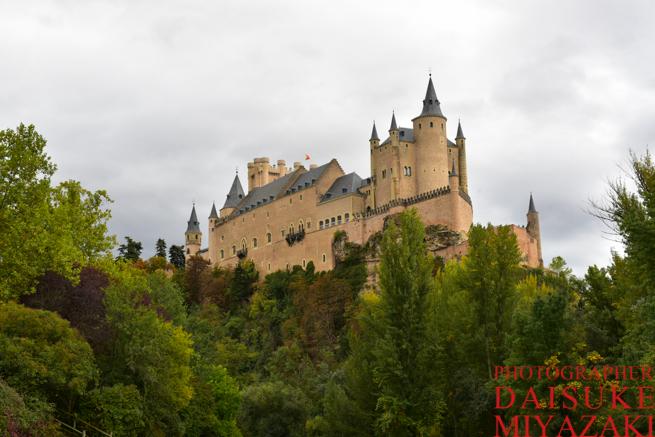 セゴビア城と森
