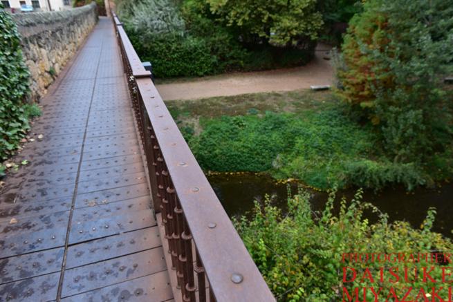 セゴビアの橋を渡る