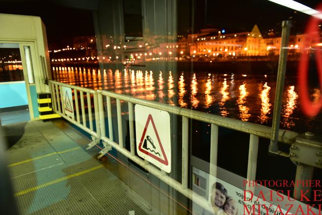 スペインの吊り橋が移動中